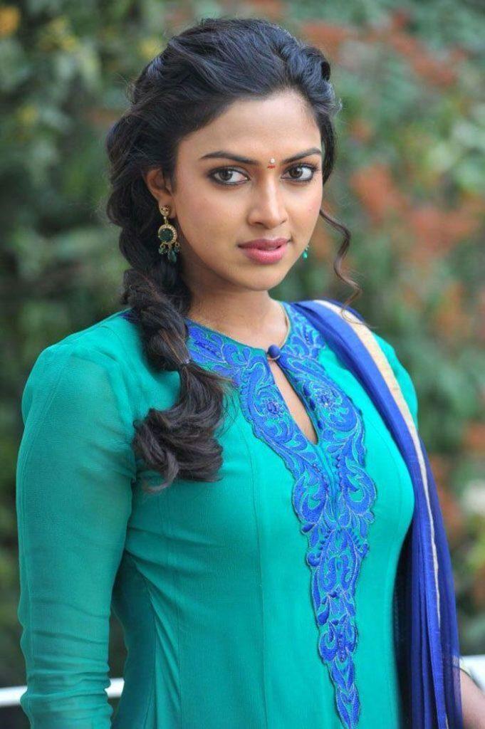 Amala in Ratsanan